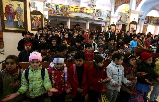 syria-children-pray