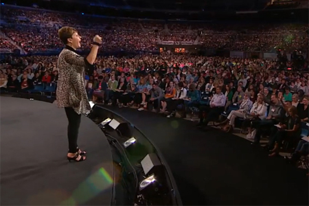 joyce-meyer-love-life-conference-4982-people-saved